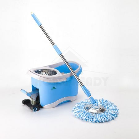 Easy Spin 360 Degree Spinning Mop & Spin Dry Bucket 2x Mop Heads