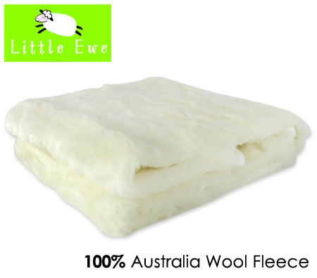 Little Ewe 100% Pure Australian Wool Fleece Machine Washable Crib Underblanket with Adjustable Straps