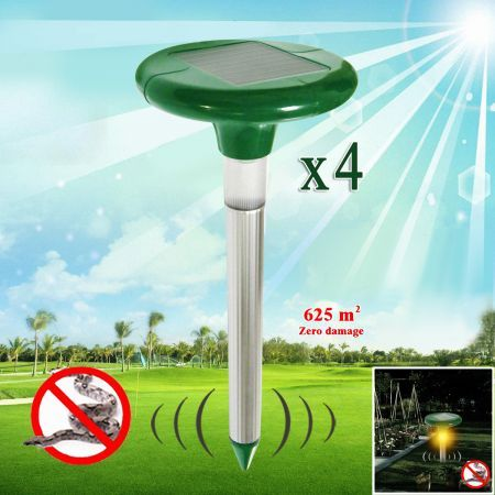 Solar Powered Snake Repellent with LED Light - Set of 4