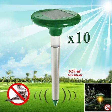 Solar Powered Snake Repellent with LED Light - Set of 10
